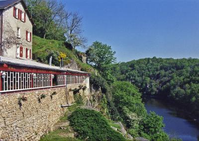 Hôtel Restaurant des Ruines – Crozant