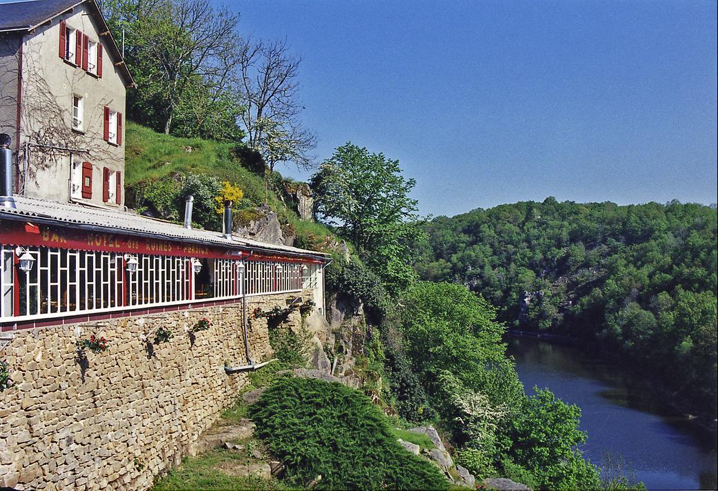 hôtel Restaurant Les Ruines Crozant